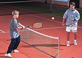 Kinder-Tennisnetz- oder Badminton-Freizeitnetz aus Polyethylengewirke, 0,70 x 3 m ODER 0,70 x 6 m, grün